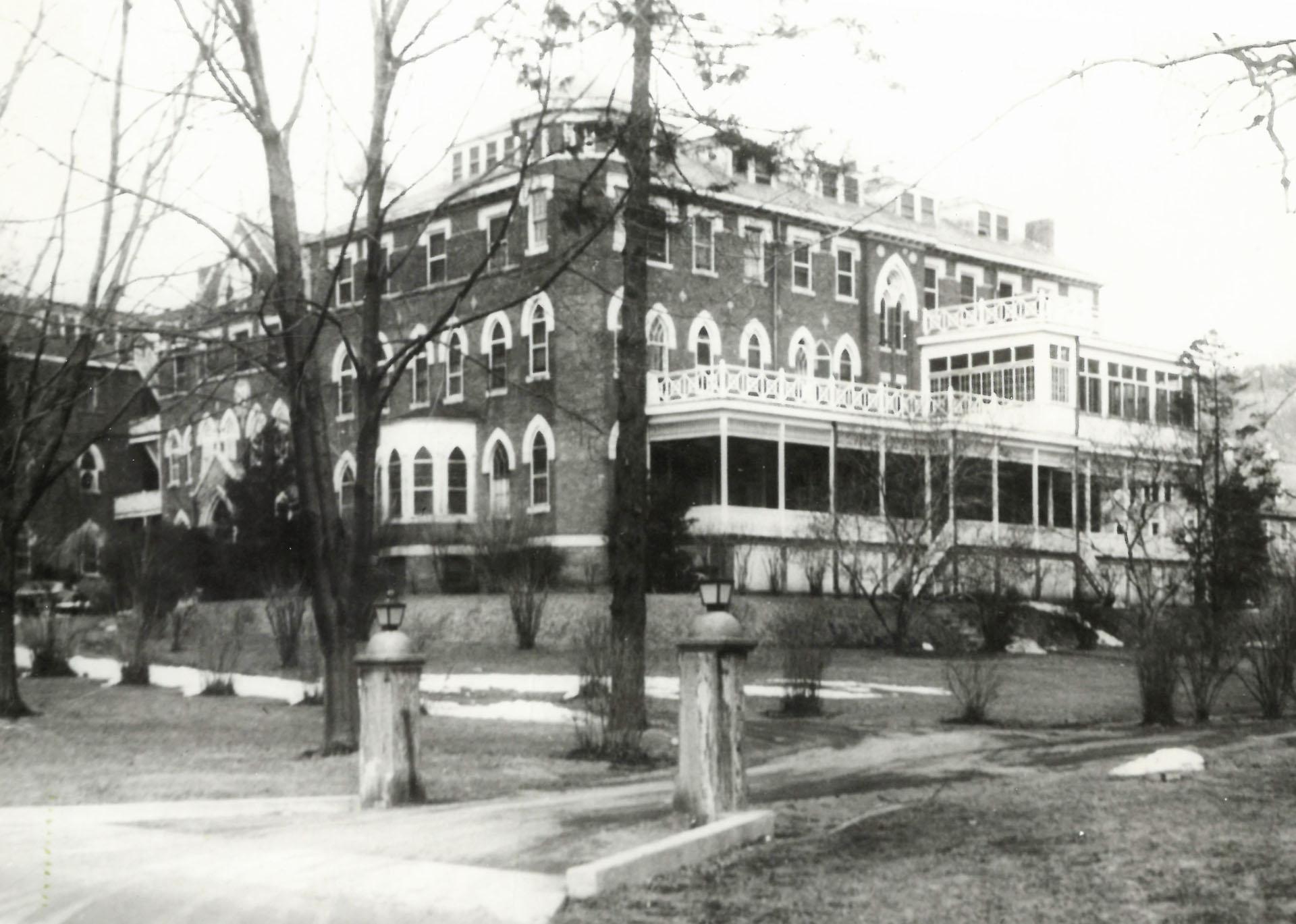 1902 – St. Agnes Rebuilds