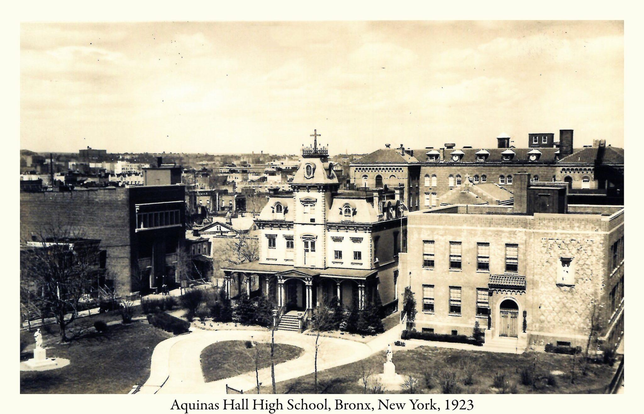 1923 – Opening of Aquinas Hall High School